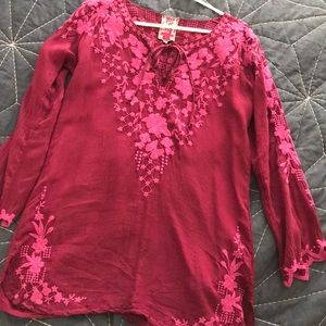 Johnny Was embroidered fuscia Top